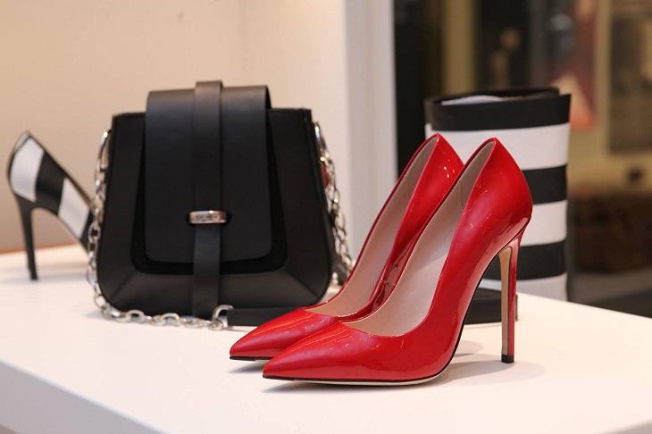 שימושים לפלסטיק בועות: תיקים ונעליים