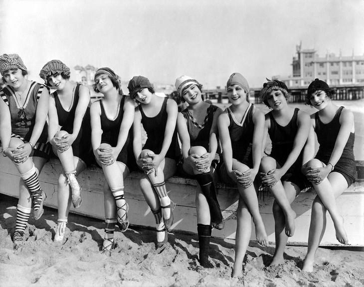תמונות היסטוריות: דוגמניות שהשתתפו בפרויקט Bathing Beauties (יפות מתרחצות) של המפיק והבמאי מאק סנט