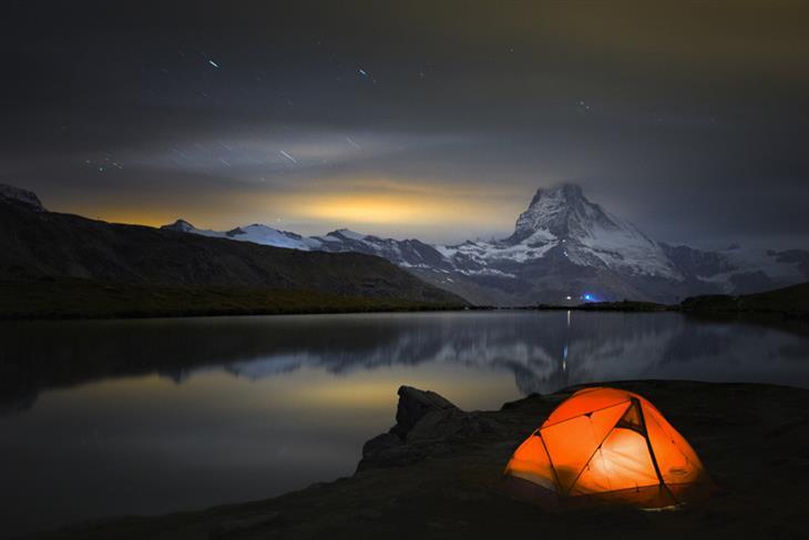 תמונות ליליות של האלפים: לילה על שפת האגם