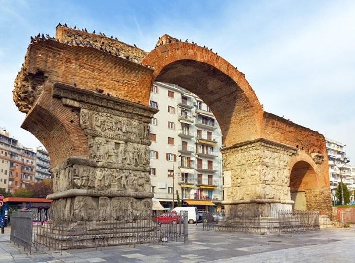 9 מהמקומות המומלצים ביותר בסלוניקי: קשת גלריוס (Arch of Galerius)