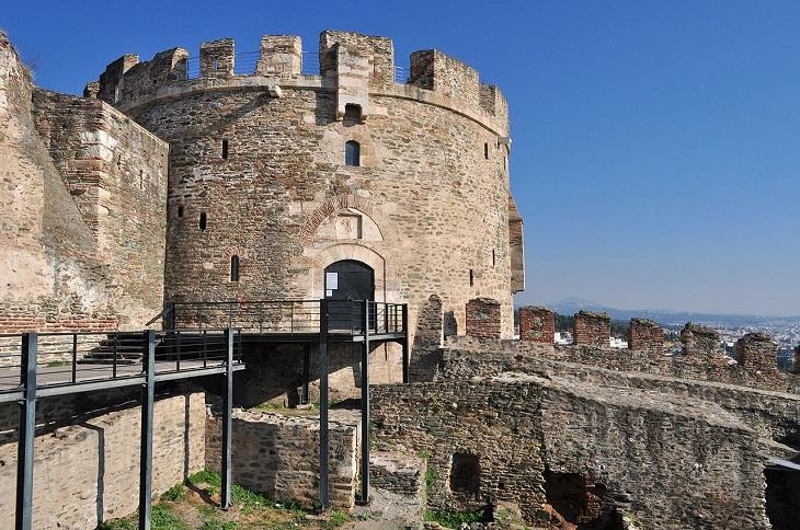 9 מהמקומות המומלצים ביותר בסלוניקי: החומות הביזנטיות של סלוניקי