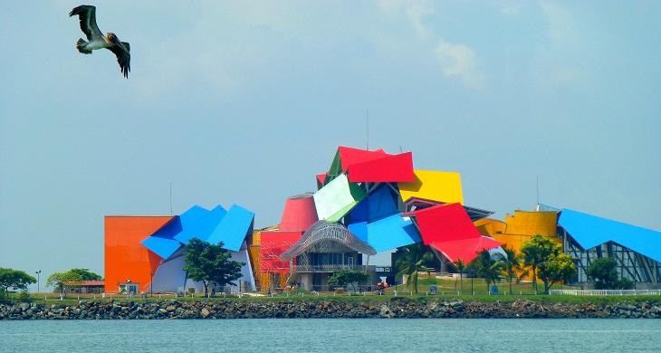 מבנים בעיצוב פרנק גרי: מבנה הביומוזאו