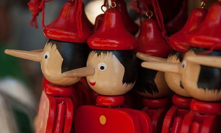 דרכים להתמודד עם מתבגרים שמשקרים: בובות פינוקיו