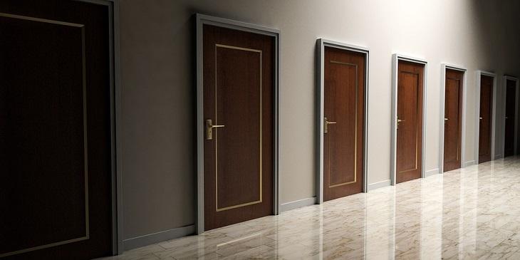 כללים לחיים אופטימיים: שורה של דלתות