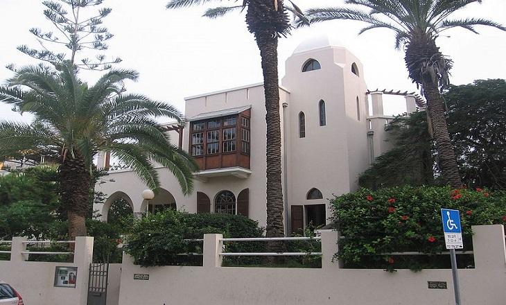 מבנים היסטוריים בתל אביב: בית ביאליק