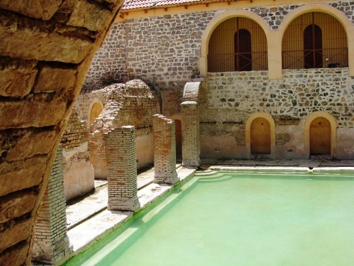 """הספא העתיק ביותר בעולם: הספא העתיק """"חמאם אצ'אלחין"""""""