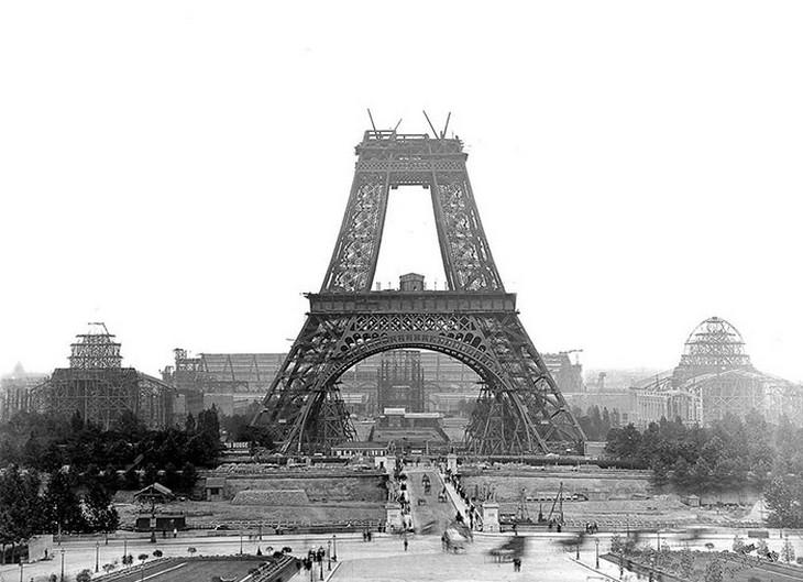 אתרים מפורסמים בזמן בנייתם: מגדל אייפל בפריז