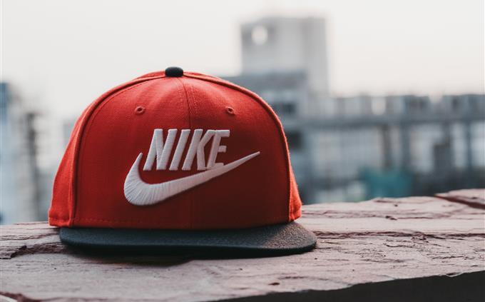 מבחן זיכרון של סרטונים: כובע מצחייה אדום