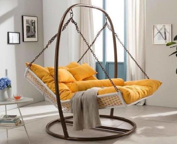רהיטים בעיצוב מיוחדים: הערסל המדליק הזה מעוצב כמו נדנדה בגן שעשועים