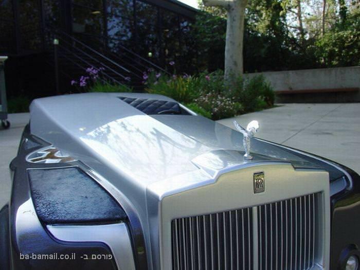 העיצוב העתידני של מכוניות הרולס-רויס