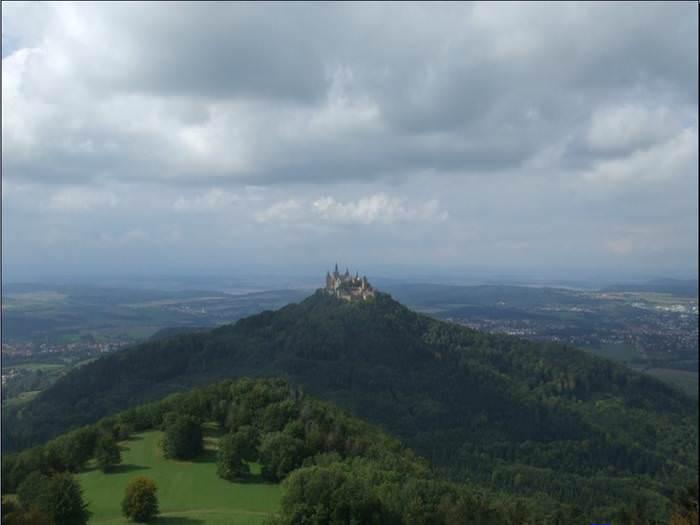 ככה נראה בית אצולה גרמני - טירת הוהנצולרן