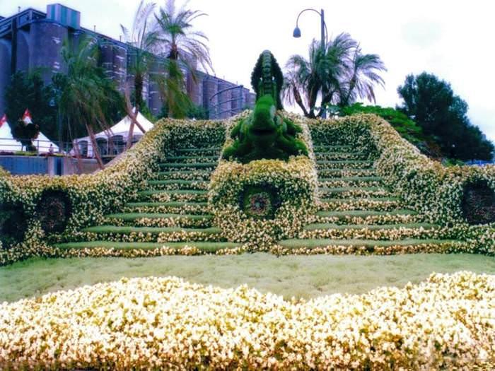 לא רק בחיפה, ולא פחות יפה - הגן הבהאי במונטריאול