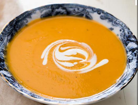 מתכון למרק בטטה עם נגיעות שמנת