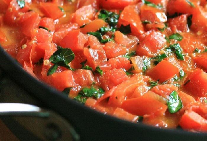 מתכון קל לרוטב עגבניות ובזיליקום