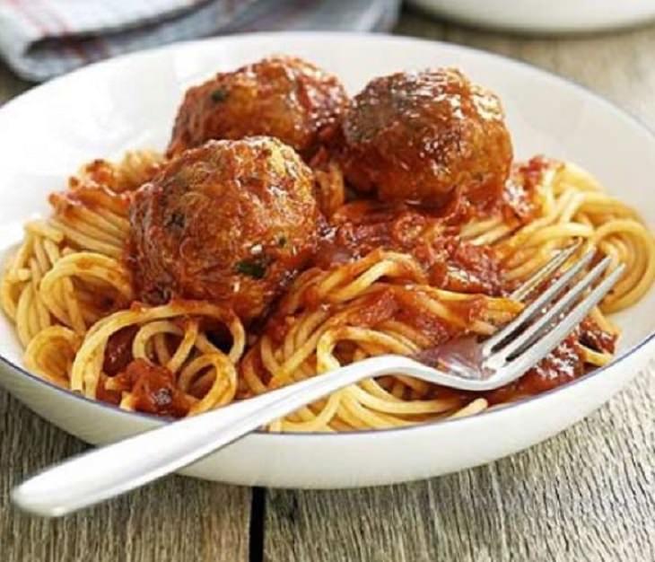מתכון לספגטי עם כדורי טונה איטלקיים