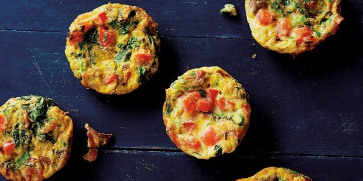 מתכון למאפינס ביצים וירקות לארוחת בוקר