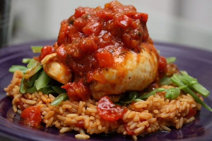 מתכון לעוף עם אורז בסגנון ספרדי - ארוז קון פויו
