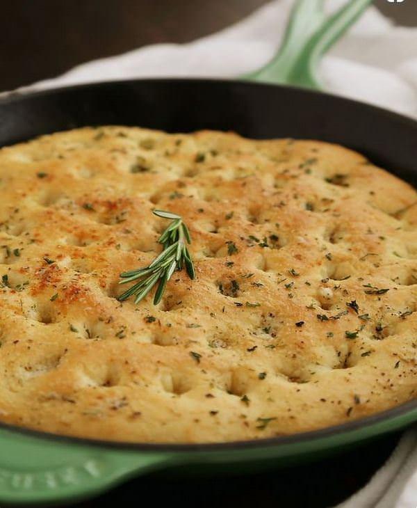 מתכון לפוקצ'ה - לחם איטלקי