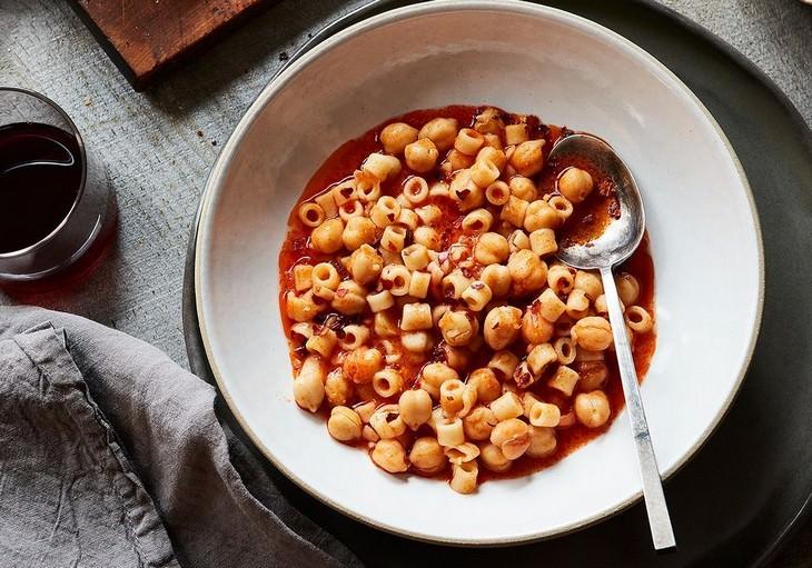 מתכון לפסטה עם עגבניות וחומוס