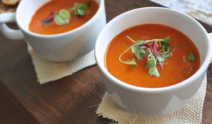 מתכון למרק עגבניות קר