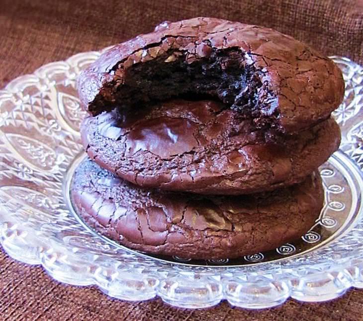מתכון לעוגיות שוקולד פאדג' רכות ועסיסיות של דליה מאיר