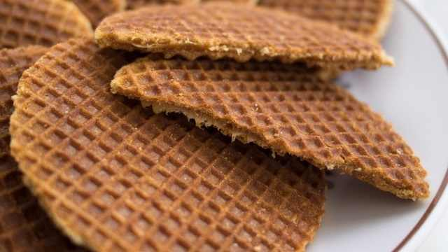 מתכון לעוגיות סירופ וופל הולנדיות - שטרופוואפל