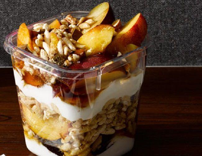 מתכון לארוחת בוקר, מוזלי מיוגורט יווני ופירות