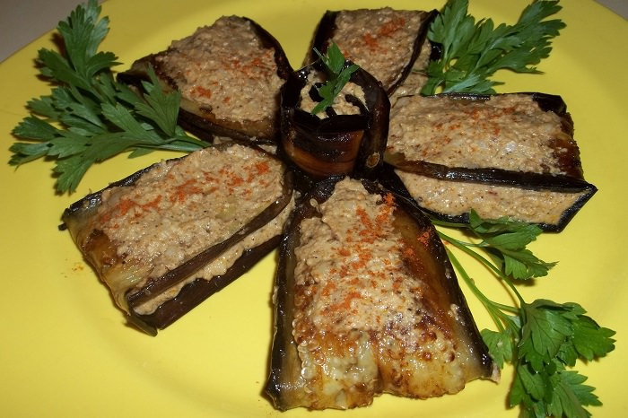 מתכון לאנטיפסטי חצילים עם אגוזים