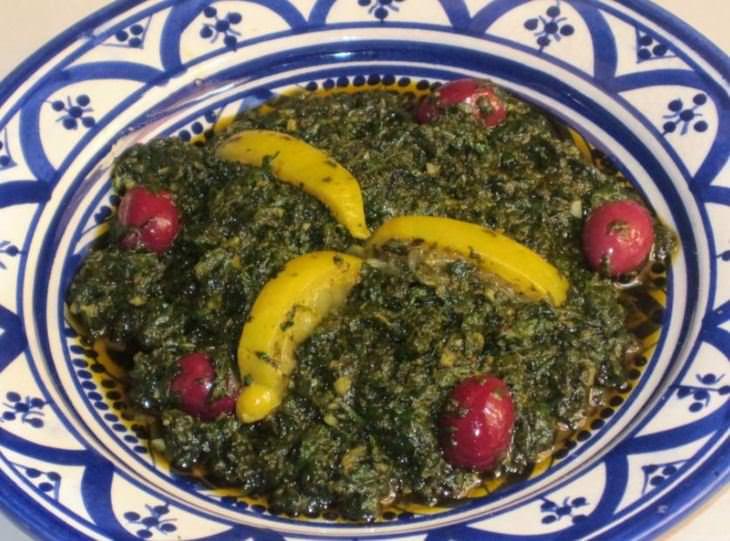 מתכון לסלט חוביזה מבושל עם לימון וזיתים