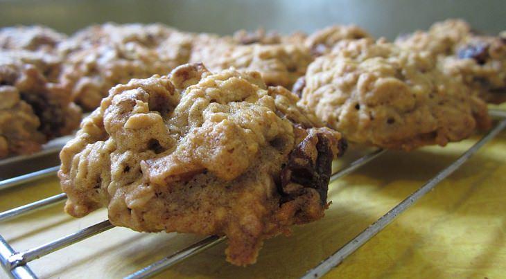 מתכון לעוגיות צימוקים ושוקולד צ'יפס דל קלוריות