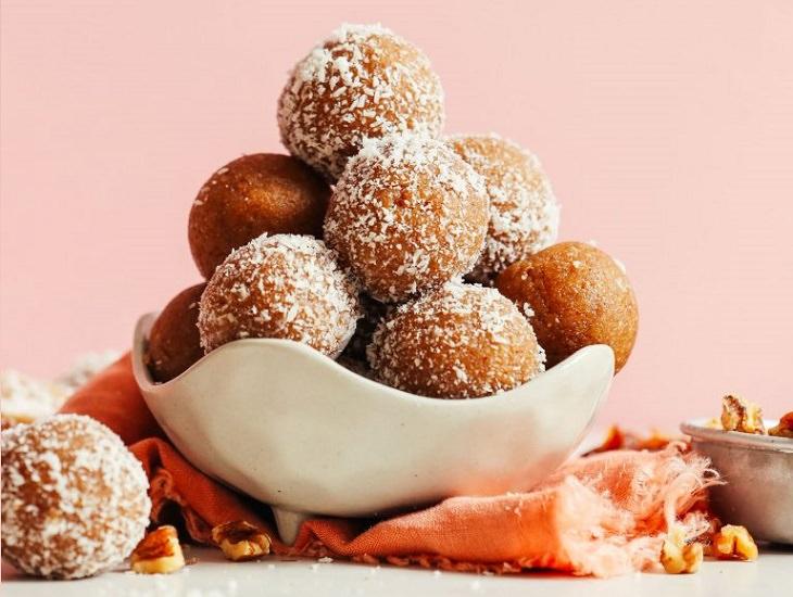 מתכון לכדורי עוגיות וניל ותמרים