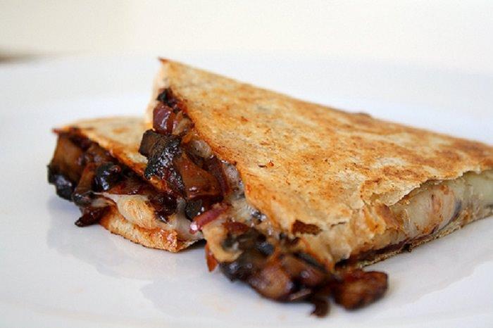 מתכון לכריך גבינה ופורטבלו - קסדייה