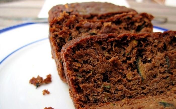 מתכון לעוגת שוקולד, אגוזים וקישואים