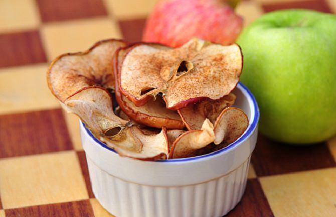 מתכון לצ'יפס תפוחי עץ וקינמון
