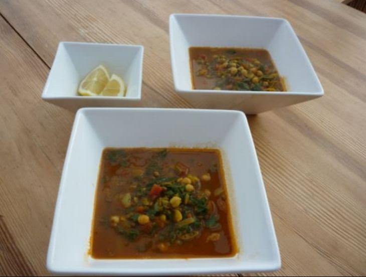 מתכון למרק חרירה מרוקאי עם חוביזה