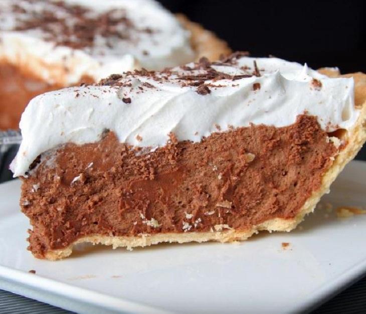 מתכון לעוגת פאי עם מוס שוקולד וקצפת ללא סוכר