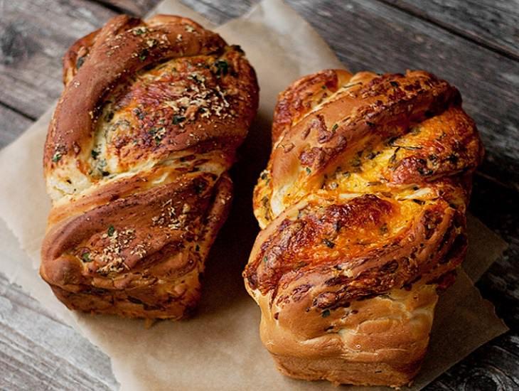מתכון ללחם גבינה מתובל בעשבי תיבול