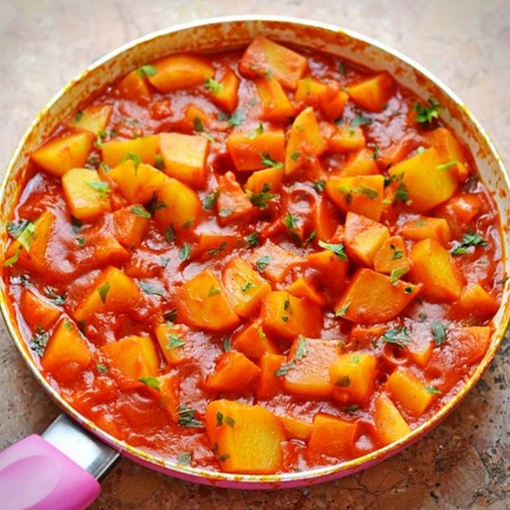 מתכון לסלט תפוחי אדמה, עגבניות וזיתים