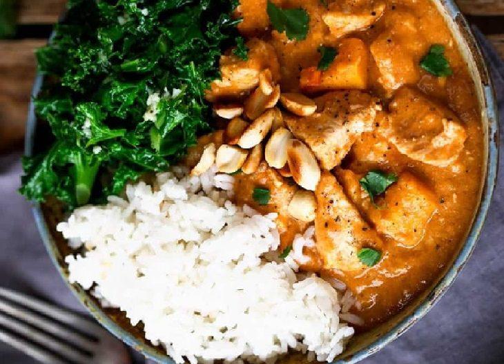 מתכון לתבשיל גולאש אפריקאי עם עוף ובוטנים