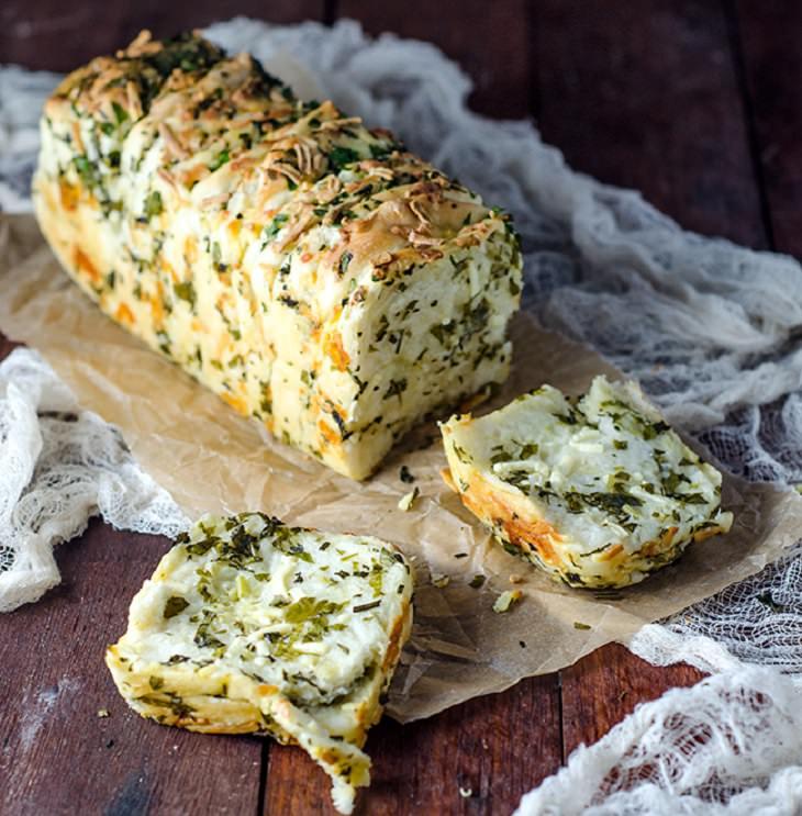 מתכון ללחם שום עם תבלינים וגבינה
