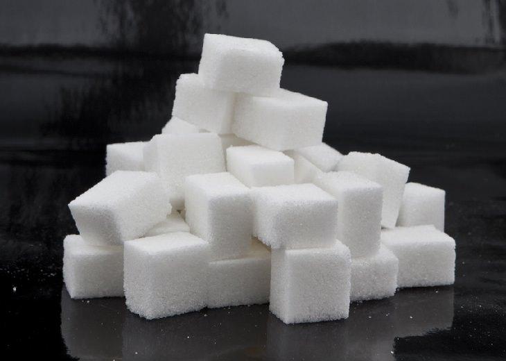 אגודל דקורה אחרי בדיקת סוכר