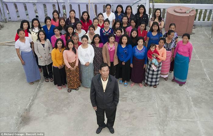 גואל רצון, לפניך: 94 נשים לראש המשפחה הגדולה בעולם