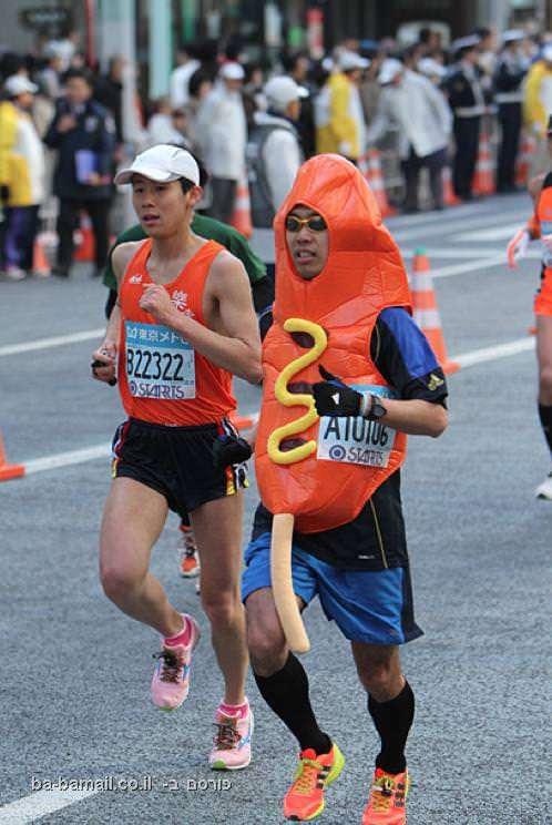 25 תלבושות מגוכחות במיוחד ממרתון טוקיו האחרון (בעריכה)