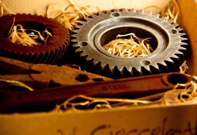 כלי עבודה מעוצבים משוקולד