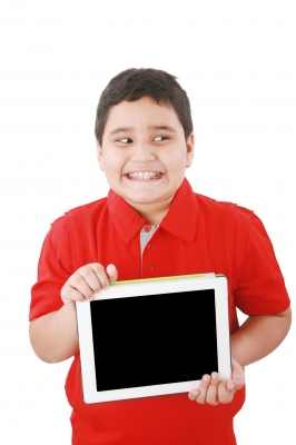 ילד באינטרנט
