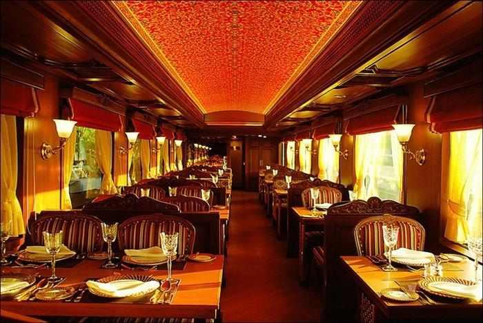 הרכבת היוקרתית של הודו