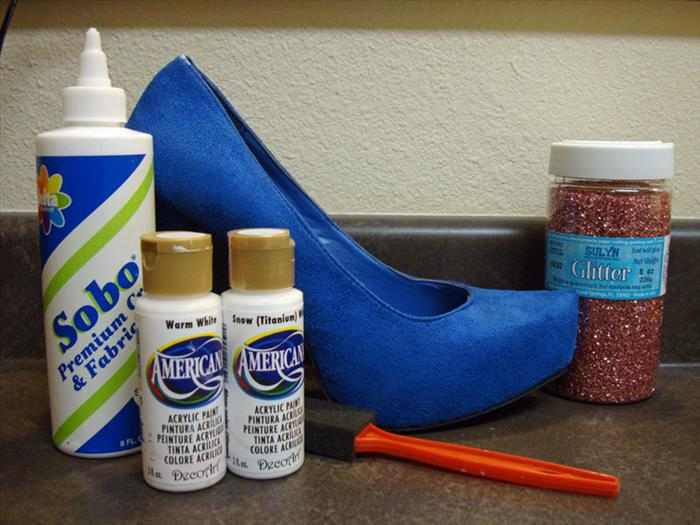 נעלי עקב עם נצנצים