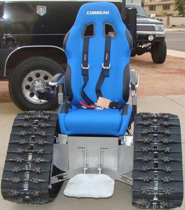 כיסא גלגלים מותאם לשטח קשה