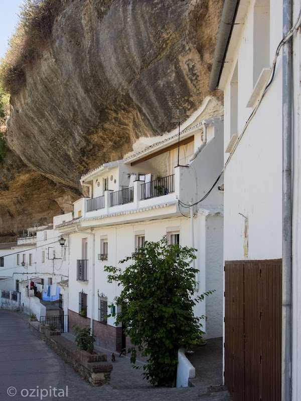 עיר סלע Setenil de Las Bodegas