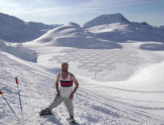 ציורי שלג בקנה מידה עצום